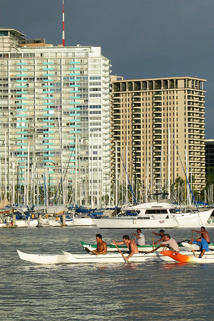 Outrigger Canoe Paddlers - Oahu